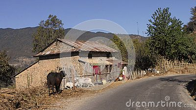Traditional Nepali house on the way to Bhotechaur, Sindhupalchok, Nepal.