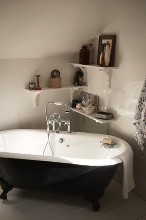 Claw Foot Tub Angled Into A Small Corner Attic Space | Bath | Pinterest |  Attic Spaces, Small Corner And Attic