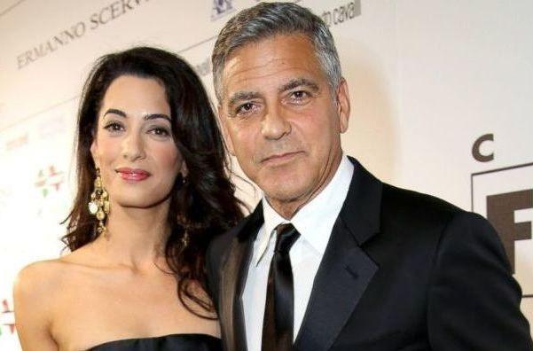 George Clooney nuovamente in abito nuziale  http://www.mistermovie.it/gossip/george-clooney-nuovamente-in-abito-nuziale-37814/