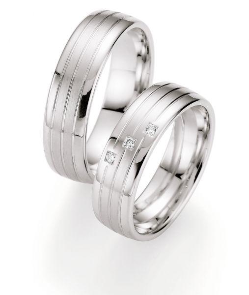 Unsere neue Honeymoon Kollektion ist absofort bei uns im Laden als auch online erhältlich. #love #forever #verlobung #ring #mine #eheringe #tb