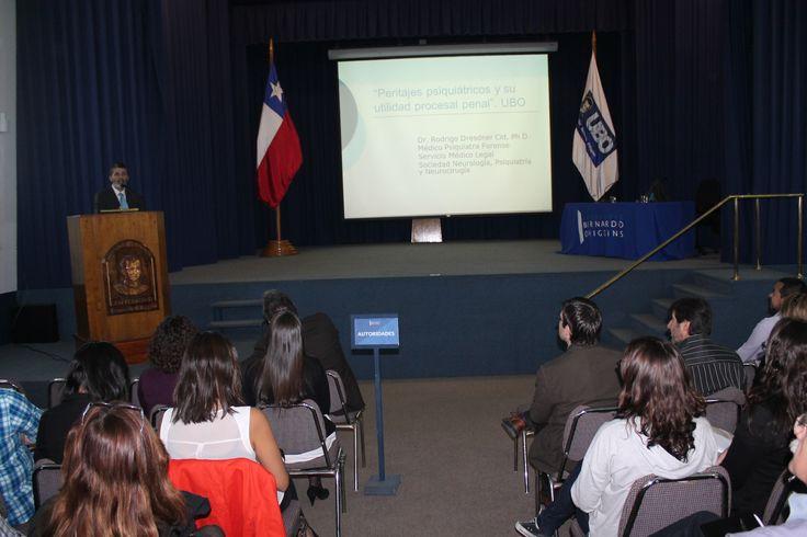 Seminario de Psiquiatría y Psicología forense en lo penal reúne a futuros abogados y psicólogos.