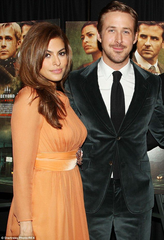 Ryan Gosling 'cooks and does all the groceries' for Eva Mendes #dailymail
