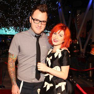 Paramore's Hayley Williams & New Found Glory's Chad Gilbert Split #FansnStars