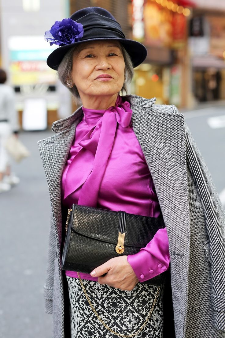 ADVANCED STYLE: Shibuya Style The hat, the color, the attitude. I like the mix of traditional and modern textures too.