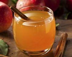 Jus de pomme chaud brûle-graisse au miel et à la cannelle