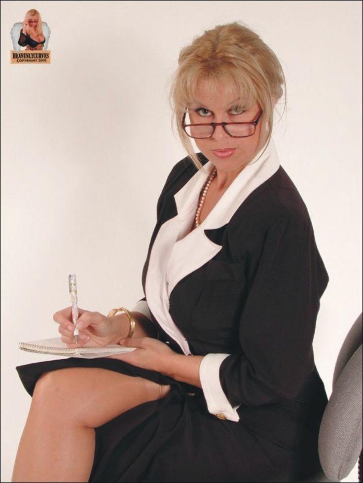 Obedient secretary