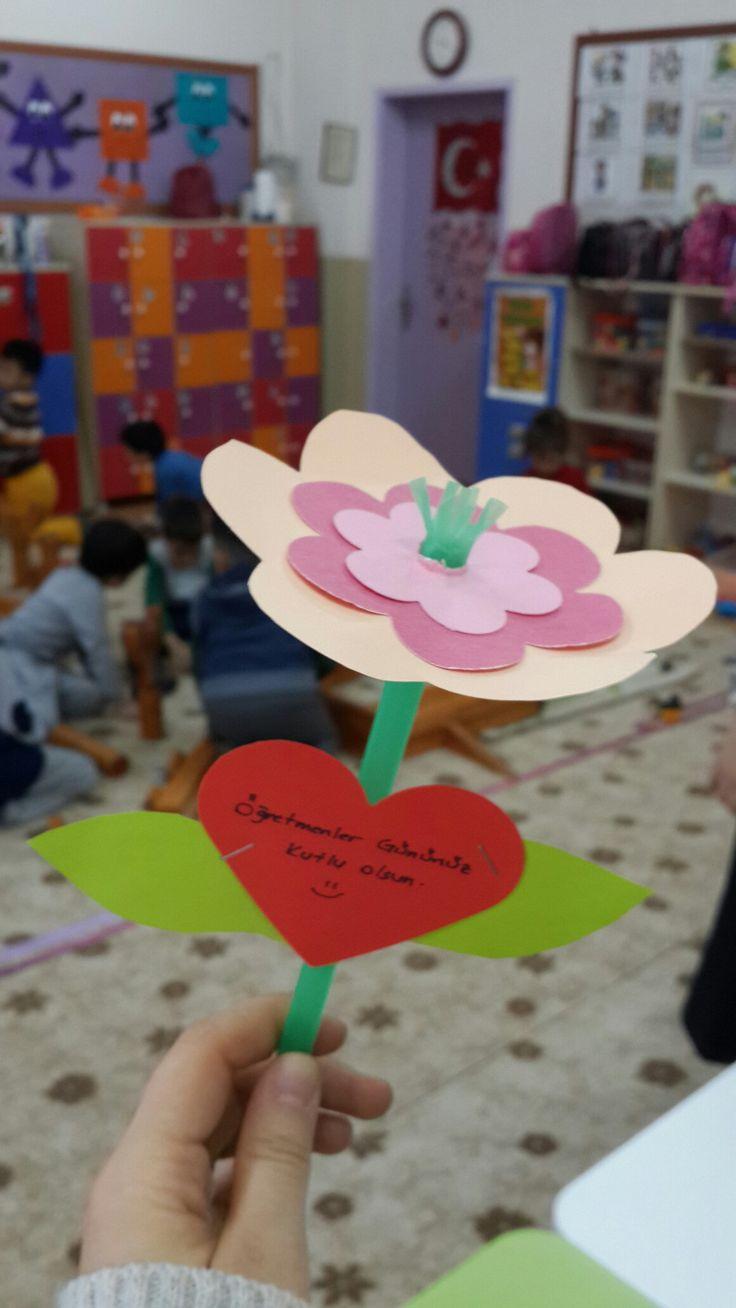 Öğretmenler günü için çiçek yapımı