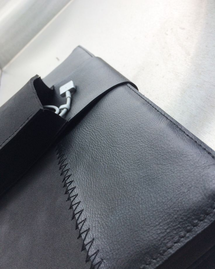 more and more new designs are coming..  N E W total black sleeve for MacBook!  Comes with the external pocket for the charger!  Rubberfoam, leather and Water resistant zipper!!   #handcrafted #applesleeves #MacBook #case #leather #rubberfoam #zipper #ykk #wateresistant #materials #mensaccessories #menstyles #thisisitdaily #thisisitgram #thisisit