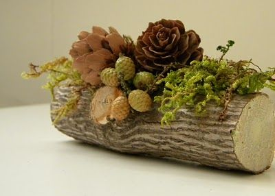 Beautiful little Yule Log decoration. Place card holders maybe.