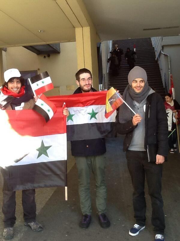 #Suiza. Desde #Francia vienen estos manifestantes a expresar apoyo al Gob de #Siria. También a #Venezuela (Foto: vía @HSalasteleSUR)