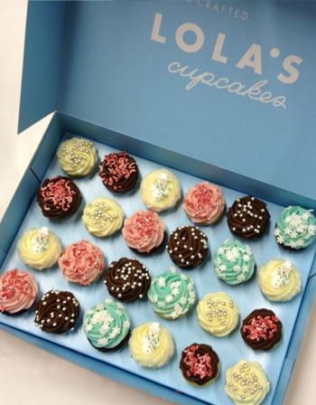 Lola's Cupcakes-snowflakes