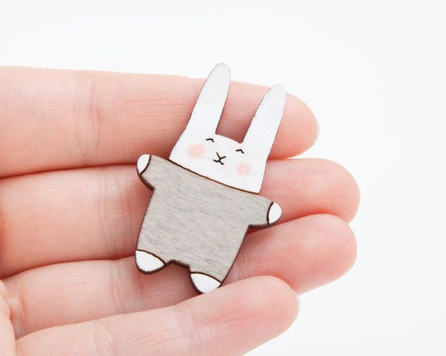 Cute Animal Brooch, gris Here is a sweet bunny is made from my original drawing and then I made it into a pin. The bunny is made from wood. This baby bunny is ready to wear on your favorite...
