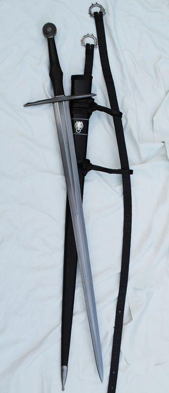 Bastard Sword Grip, too small or just right??? - Mordhau ... |Fantasy Bastard Sword