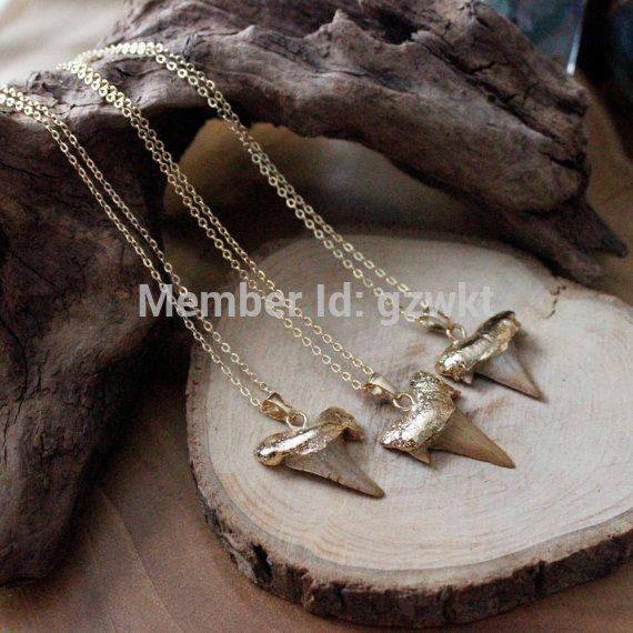 """24 K chapado en oro collar de dientes de tiburón con 18 """"de largo cadena de latón en el envío libre en Collares de Joyas y accesorios en AliExpress.com   Alibaba Group"""