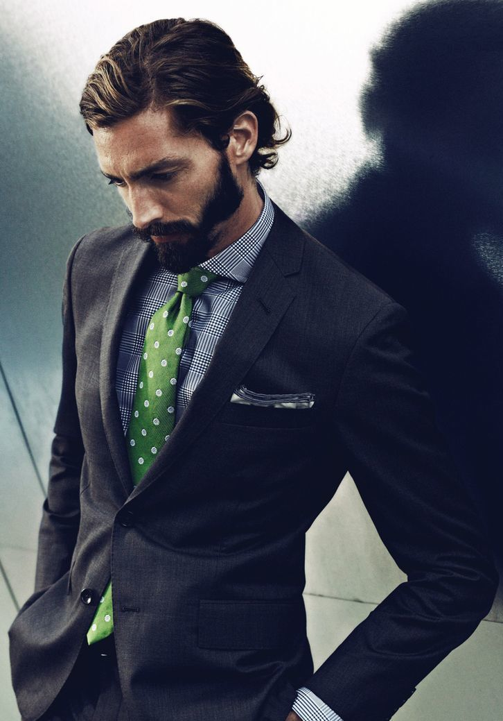 Love the tie with this suit !