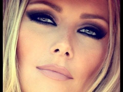 Dramatic smokey eye makeup - must have for the Winter Dance!