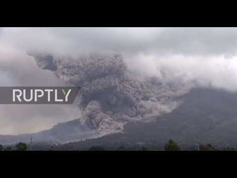 Sumatra's Sinabung volcano has largest eruption since August -- Earth Changes -- Sott.net