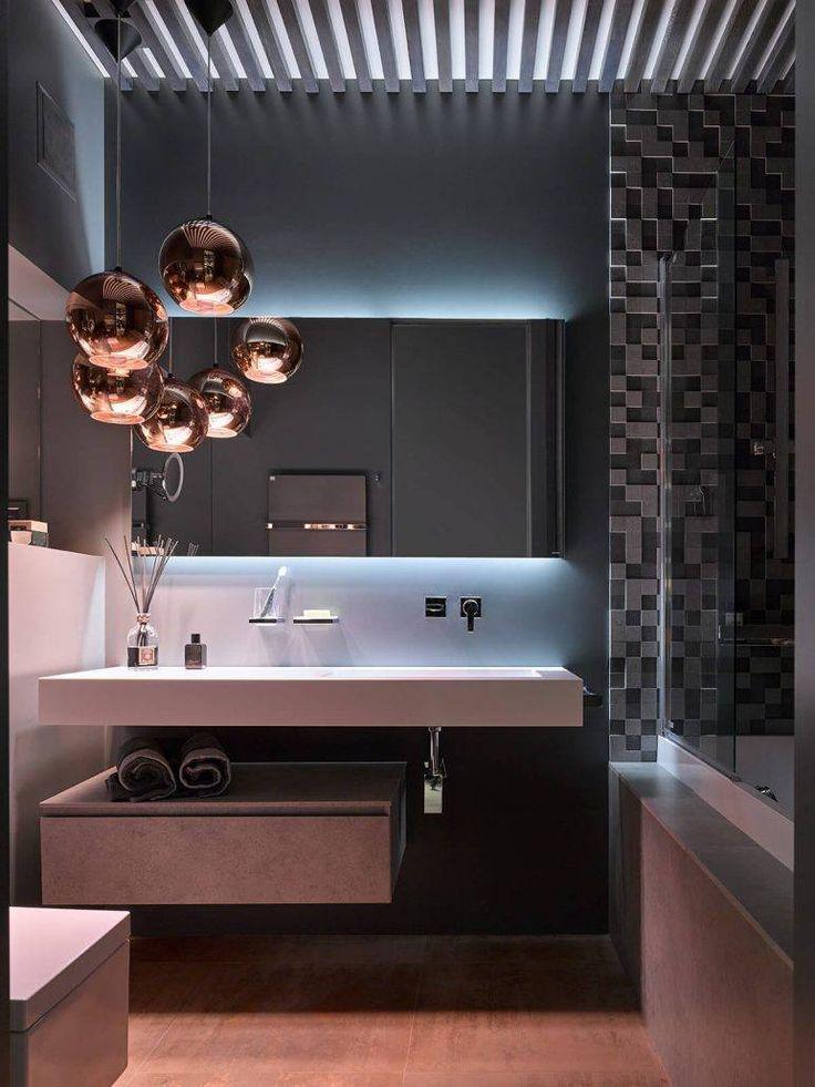 La nostra collezione Cubik by Idea si abbina perfettamente al lampadario Tom Dixon, in questa splendida composizione progettata da Marina Kutuzova, per un appartamento a Svetlogorsk, in Russia.