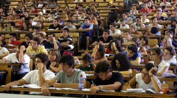 Cosa succede in #Italia ai #giovani #universitari? Chi sono i #neet? E il neo #ministro #Giannini cosa ne pensa? Scopri tutto cliccando sull'immagine.
