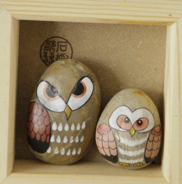 原创手绘石头 盒装对猫头鹰 小礼物Original hand-painted stone owl box for a small gift