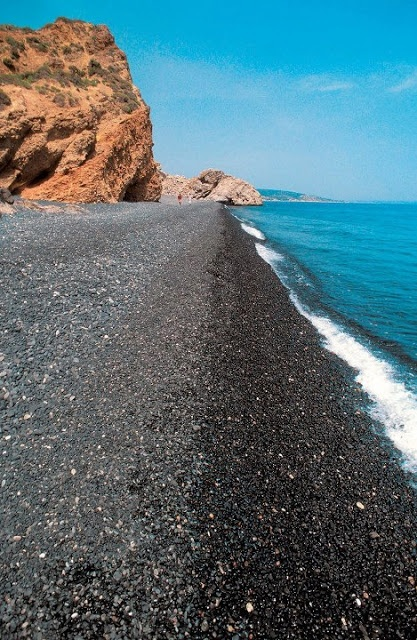 Pick of the day #55 - Mavra Volia, Chios island | Promote Greece