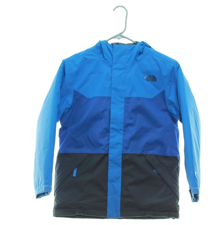 Boy's The North Face Brayden Insulated Jacket Size 10-12 Medium Blue. No manufacturer warranty, inner tags are marked with red pen to denote no warranty. Please be aware that all items ship with signature confirmation, the most up to date tracking is at the USPS website. Waterproof, insulated winter jacket with fully sealed seams. Fixed hood. Powder skirt. Goggle cloth.