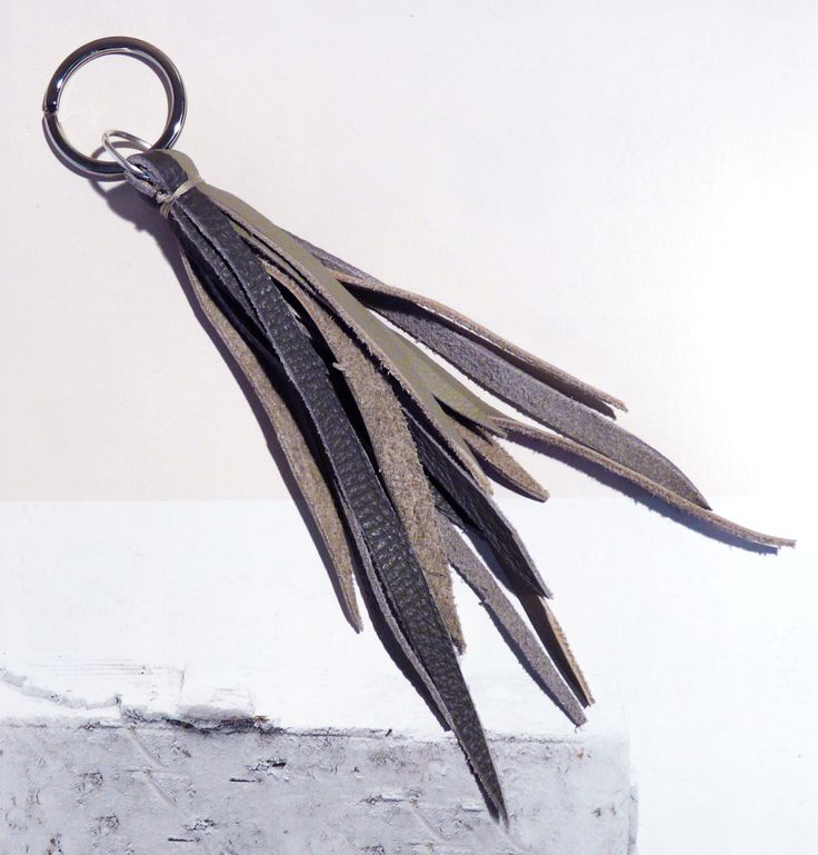 Leather Tassel Keychains  ‪#‎soloverapelle‬ ‪#‎ideeregalo‬ ‪#‎Christmasgift‬ ‪#‎appendiloallatuaborsa‬! #mandulisbags