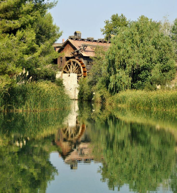 Water Wheels / Water Mills / Grist Mill