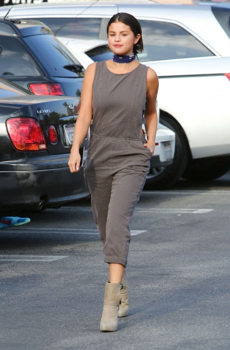 awesome Selena Gomez Los Angeles    Kombini