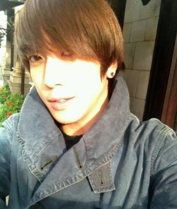 CNBLUE's Yonghwa and Minhyuk update fans on their whereabouts in LondonKpop Fashion, Hwa Cnblue, Minhyuk Updates, Cnblue Yonghwa, Fashion Stores, Yong Hwa, Updates Fans, Jung Yonghwa, 20120922 Yonghwa London
