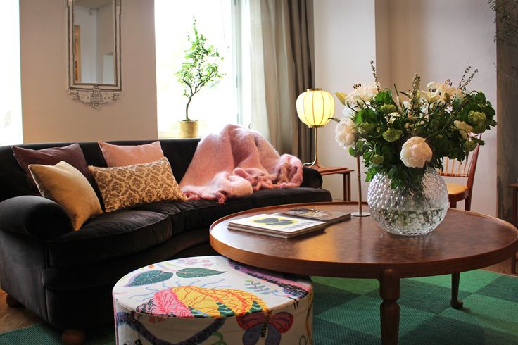 Living room interior with coffee table 2139, designed by Josef Frank for Svenskt Tenn in 1952.
