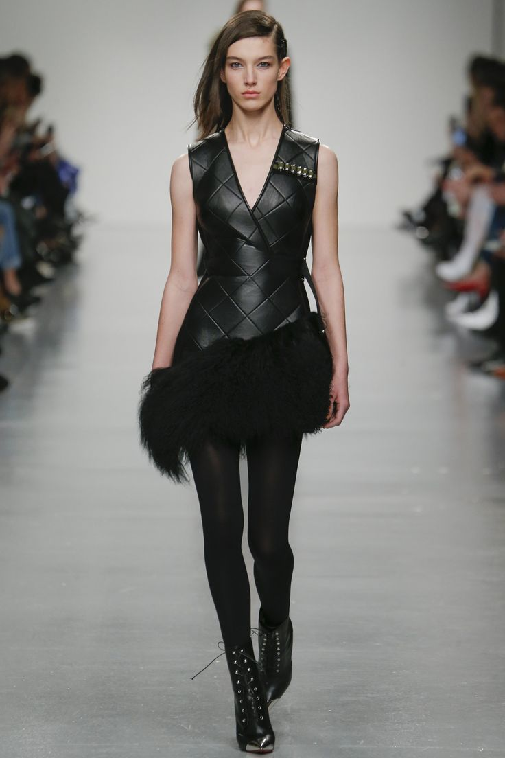 Runway #style review #LFW Fall17: David Koma's Georgia-inspired collection has a military vibe