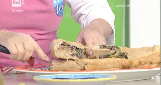 La+ricetta+della+pizza+scarola+di+oggi+di+Anna+Moroni
