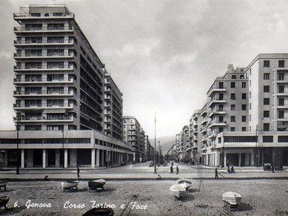 """Il contrasto fra le """"navi"""" di Piazza Rossetti e l'edilizia circostante (cartolina 1939)"""