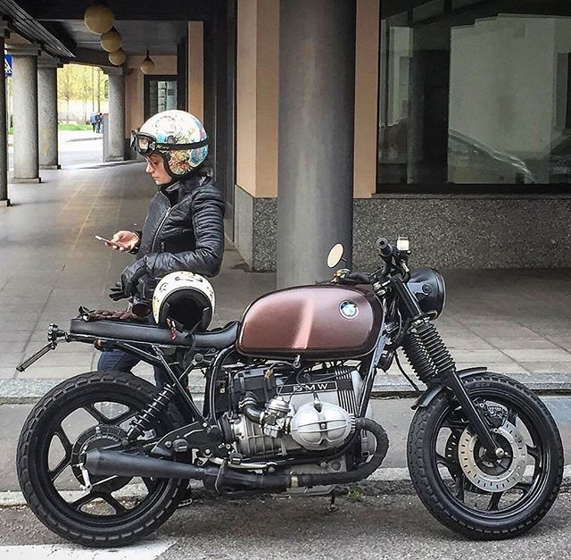 Style & Ride - BMW R65 #caferacer #caferacerculture #caferacergirls #style #ride #ridewithstyle #yamaha #bmw #honda #triumph #kawasaki #norton #brat #harleydavidson #bobbersnchoppers #bobber #enfield #scrambler #boxer #ducati #throttleroll #virago #benelli #suzuki #motoguzzi