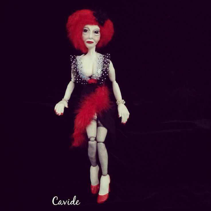 Madam Colette, ceramic by Cavide YÜKSELER                 #art #sanat #sculpture #ceramic #seramik #çamur #kadın #woman #prestute #aşifte #heykel #dollart #artdoll