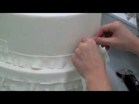 video tutorial - a different method for creating fondant ruffles on cakes