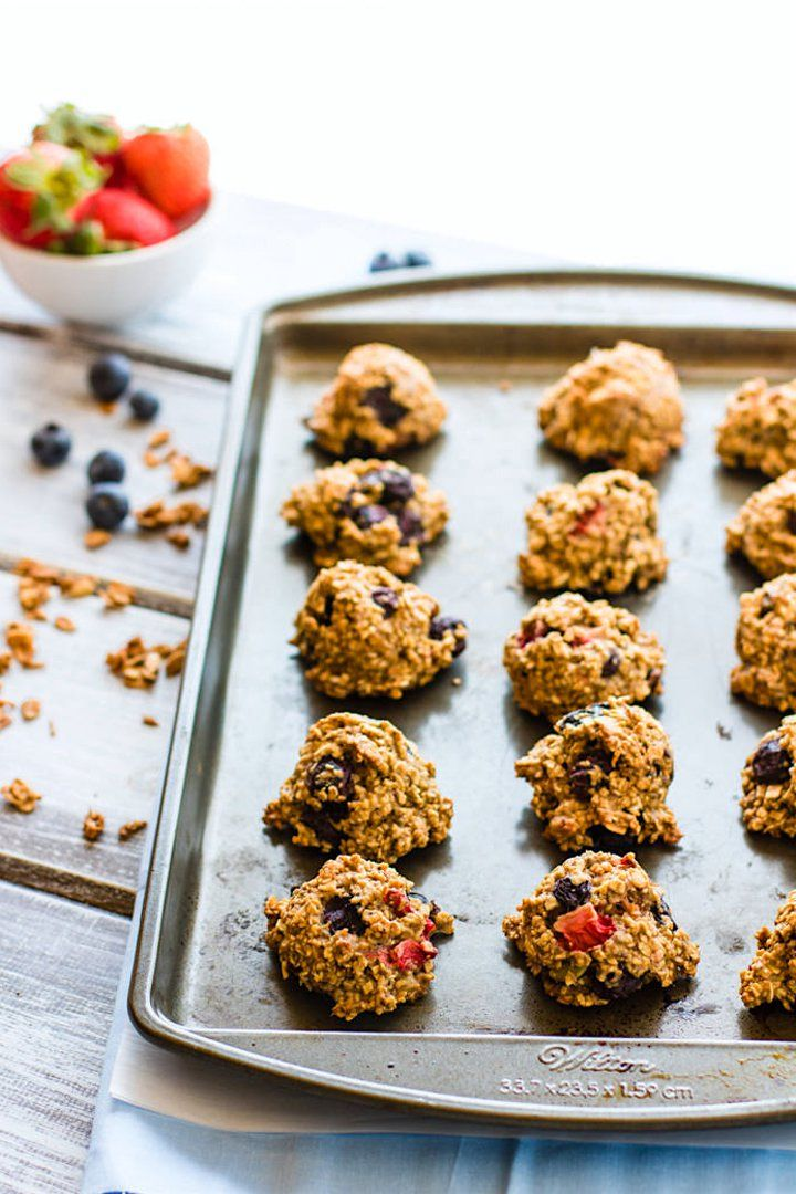 """Some of these recipes needs """"cleaned up"""" but nonetheless a good list of ideas!   15 Healthy School Breakfasts Kids Can Eat on the Go"""