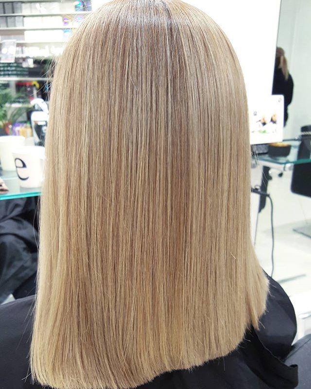 Her har vi gått fra helt blond til naturlig farge med spill #h2sirkus #h2frisør #frisør #hår #hårfarge #klipp #tigi #tigicopyright #tigicopyrightcolor #tigicreative #tigigloss #fudge #hairdresser #haircolor #hair #haircut #gorgeous