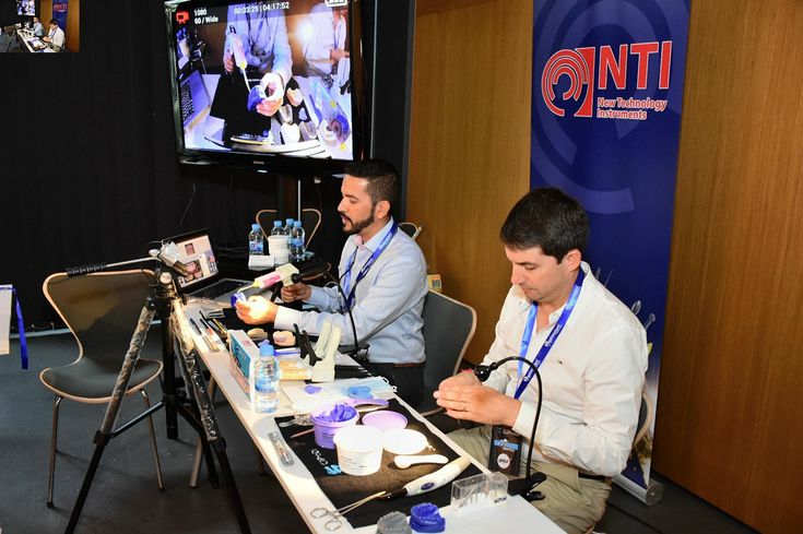 Gran curso de Carillas lente de contacto realizado en CIPRODI congreso internacional de prótesis dental de ibiza en septiembre gracias Dr Randold Binns por compartir este curso conmigo.