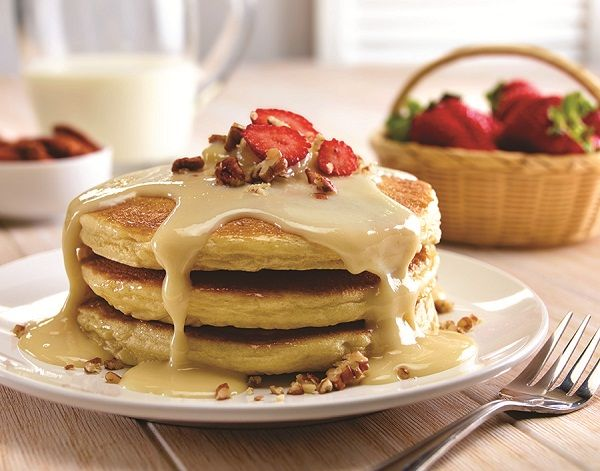 Hot cakes con Carnation Clavel