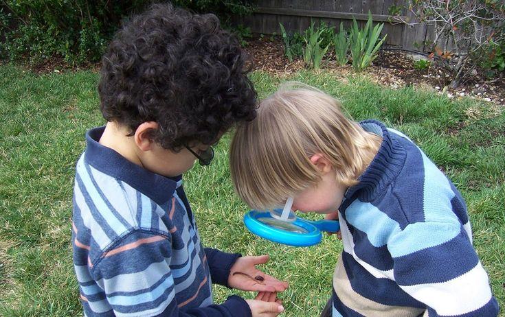 Montessori for the Earth offers affordable online Montessori and homeschool for infants, tots, preschool, Kindergarten, and lower elementary children. #Montessori #homeschool #activities