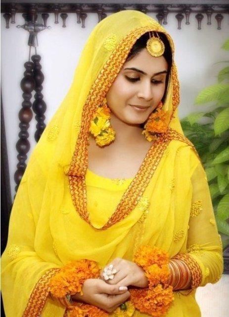Mehndi Dresses in Pakistan 4 – Ashe Mag