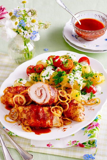 Salsa-Röllchen mit Sommer-Kartoffelsalat Rezept | LECKER
