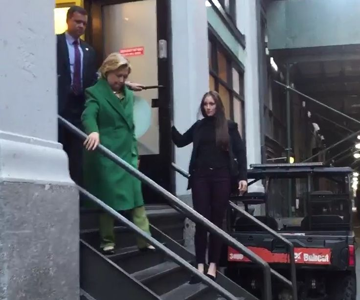 09/25/16 Hillary's Instantaneous Health Morph – Unanticipated Pool Reporter Surprises Hillary Clinton: VIDEO ~ There's something quite telling about this video taken today in New York City.  This press video is prior to Clinton's meeting with Benjamin Netanyahu. According to press reports Mrs. Clinton went to see her daughter Chelsea, then to Appleseeds Kids Ctr, then to Israeli Pres Benjamin Netanyahu.  The video below was taken when Secretary Clinton was leaving Appleseeds. Two aspects...