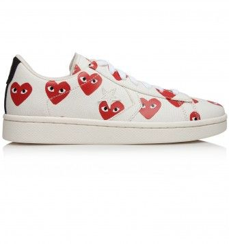 COMME DES GARÇONS PLAY CHUCK TAYLOR LO TOP 'MULTI HEART'. White / Red. £95.00