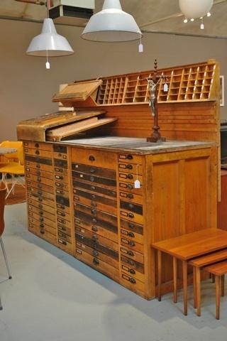 Oude drukkerij kast / Old printers storage