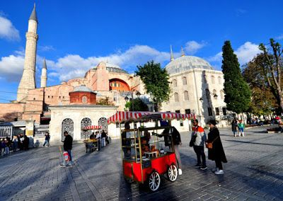 Hagia Sophia is known as the one of the most special architectural achivement in the world. The architects of Hagia Sophia were two genious of 6th Century Anatolia. Let's discover about the secrets of Hagia Sophia.