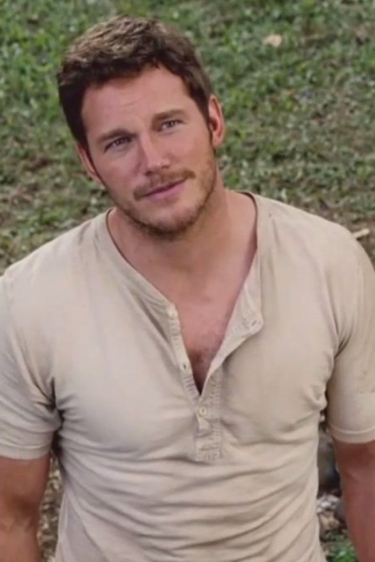 Chris Pratt Gets Funny In First 'Jurassic World' Clip