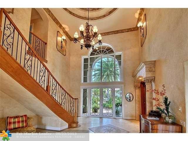 Elegant entryway  waterfront home in Fort Lauderdale